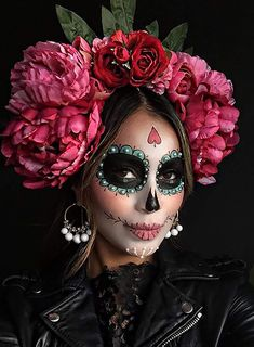 Sydne Style shows dia de los muertos makeup ideas from sincerey jules Halloween Makeup Sugar Skull, Amazing Halloween Makeup, Sugar Skull Makeup, Halloween Inspo, Halloween Kostüm, Sugar Skull Costume, Halloween Costumes, Mexican Halloween, Brown Matte Lipstick