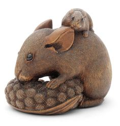 A wood netsuke of rats and millet By Ikko, late 19th century, Japan