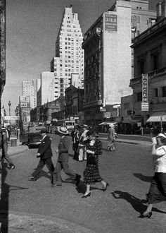 Buenos Aires in the Tango, Light And Shadow, Geography, South America, Netherlands, Cute Pictures, Times Square, Paris, Architecture