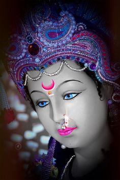Navratri Puja will help you overcome all your negativities. Flourish with wealth on this Navratri by offering Homam to Lakshmi, Saraswathi & Durga. Durga Maa Pictures, Durga Images, Ganesha Pictures, Maa Durga Photo, Maa Durga Image, Maa Image, Lord Durga, Durga Ji, Maa Durga Hd Wallpaper