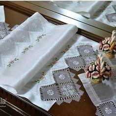 Napkins, Tableware, Living Room, Dinnerware, Towels, Dinner Napkins, Tablewares, Dishes, Place Settings
