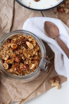 Maple syrup crunchy granola with nuts and sea salt, Do I have to say anything at all? Extra many nuts, chia seeds and crispy baked o. Peanut Butter Granola, Crunchy Granola, No Salt Recipes, Cooking Recipes, Best Maple Syrup, Cereal Mix, Best Chocolate, Muesli, Overnight Oats