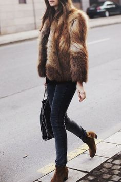 Fur jacket, brown outfit, suede booties, skinny jeans, stella mccartney bag