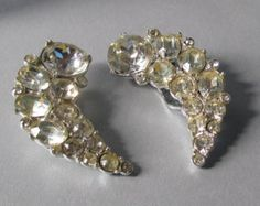 New Years Glitz & Glamour Jewels curated by Etsy Vintage Jewelry Team on Etsy artsix
