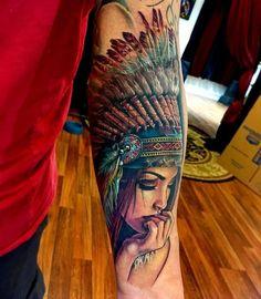 70 Indianer Tattoo-Designs Tattoos And Body Art american art tattoo Best Sleeve Tattoos, Sleeve Tattoos For Women, Body Art Tattoos, Tattoo Drawings, Tattoos For Guys, Tattoo Girls, Tattoo Art, Realism Tattoo, Woman Tattoos