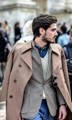 2017 Medium Length Hairstyles for Modern Men