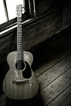 Nice black and white photography of guitar Guitar Art, Music Guitar, Cool Guitar, Playing Guitar, Music Songs, Ukulele, Guitar Chords, Eric Clapton, Acoustic Guitar Photography