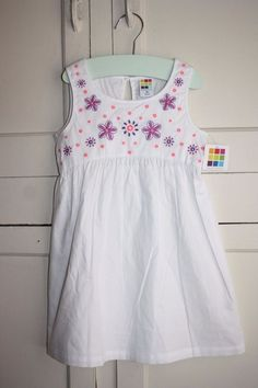 8d6f0630036c White Pink and Purple embroidered Floral Sundress Size 3T  fashion   clothing  shoes