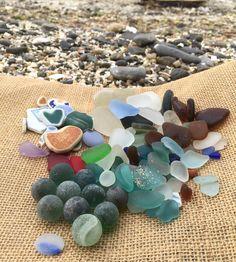* おはようございます ♪ 今朝は早起きして 早朝ビーチコへ そしてシー玉ちゃん 初めて二桁いきました\(^o^)/ヤホーィ☆ 旦那さんが楕円のおはじきを 見つけてくれて シー玉10コ、おはじき1コ 収穫できました👍✨ * #記念すべき#300post#シー玉#seamarble#はじめて#二桁いきました😆#seaglass#beachglass#シーグラス#おはじき#ohajiki#朝4時起き#ホームビーチ#涼しく#快適に#ビーチコーミング#ビーチコタイム#楽しかた☆