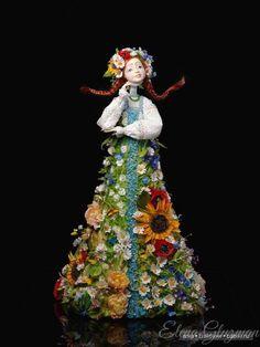 Добрый день! Познакомьтесь с творчеством талантливого кукольного мастера из Санкт-Петербурга, Елены Глузман. Елена является постоянным участником кукольных выставок, поэтому многие