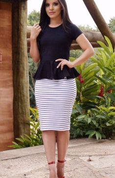 I love the look of peplum but it never really looks right on me Skirt Outfits, Dress Skirt, Dress Up, Classy Outfits, Chic Outfits, Work Attire, Office Outfits, Work Fashion, Fashion News