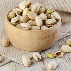 Vitamin B6 in pistachios has the role in the production of myelin, the nerve fiber layer. Each degeneration or disturbed metabolism of vitamin B6 can lead to numerous paralysis, paresis and nerve disorders.
