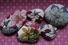 Målade stenar – enkelt pyssel som kan varieras i det oändliga   FridaSofia