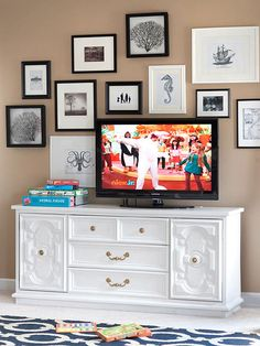 Determine the eye-level placement of your TV by sitting in the prime viewing spot or lying in bed. Have a helper mark the TV outline on the wall using painters's tape. The middle of the TV should be close to eye level; pick a TV that fits this spot.