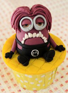 Minion Cupcake by Christine Ko, via Behance Minion Cupcakes, Cute Cupcakes, Themed Cupcakes, Baking Cupcakes, Geek Birthday, Superhero Birthday Cake, Birthday Cakes, Lego Cake, Cake Minecraft