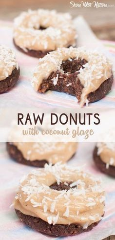 These donuts are PERFECT Their preparation is super simple and they taste like heaven So sweet soft moist and absolutely delicious lowfat raw vegan gluten free paleo Healthy Vegan Dessert, Raw Vegan Desserts, Köstliche Desserts, Raw Vegan Recipes, Vegan Treats, Healthy Sweets, Vegetarian Snacks, Vegan Raw, Paleo Vegan