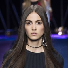 "Silver Inner Eye Corner Highlight ""Strobing"" Makeup at Versace Spring Summer 2017 MFW."