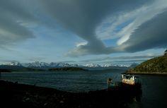 https://flic.kr/p/8extjo | Puerto Navarino | Neil Young: Dreamin´ man  Al fondo Tierra del Fuego, en su lado argentino, separado de la isla Navarino por el canal Beagle y el viento.  Isla Navarino, Región de Magallanes.