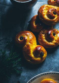 13/12/15 Call me cupcake: Lussekatter - Buttermilk saffron buns (recipe in English and Swedish)