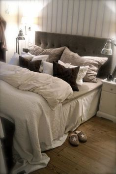 beautiful comfy bed  ~ <3 ~