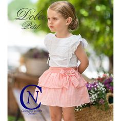 Conjunto de DOLCE PETIT para niña de falda salmon Wedding Dresses For Kids, Little Girl Dresses, Girls Dresses, Flower Girl Dresses, Simple Dress For Girl, Toddler Fashion, Girl Fashion, Baby Dress Tutorials, Frocks For Girls