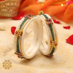 Keshi pearl bandhai work on these chudas though 😍❤️. Bridal Bangles, Wedding Jewelry, Gold Wedding, Crystal Jewelry, Pendant Jewelry, Gold Jewelry, Diamond Jewelry, Gold Bangles Design, Jewelry Design