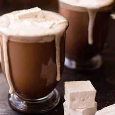 These hot chocolate recipes are absolutely AMAZING! There is nothing better than sitting down with a homemade hot chocolate in front of the fire. I am so excited to try these with the family this year! Recipes for adults and children. Pin this for later! Best Hot Chocolate Recipes, Cocoa Recipes, Homemade Hot Chocolate, How To Make Chocolate, My Recipes, Sweet Recipes, Real Food Recipes, Winter Drinks, Winter Food