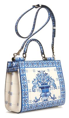 The Daily Bauble: Dolce & Gabbana Majolica-Print Leather Tote Luxury Bags, Luxury Handbags, Purses And Handbags, Sacs Design, Crossbody Bag, Tote Bag, Clutch Bags, Vintage Purses, Beautiful Bags