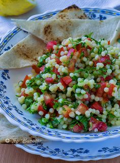 Salata Tabbouleh Raw Vegan Recipes, Healthy Salad Recipes, Vegetarian Recipes, Cooking Recipes, Cold Vegetable Salads, Great Recipes, Food To Make, Healthy Eating, Healthy Food