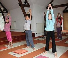Tips, secrets, and overview when it comes to receiving the greatest result and also ensuring the maximum usage of strength yoga for beginners Sports Activities For Kids, Movement Activities, Kids Sports, Yoga For Beginners Flexibility, French Teaching Resources, Brain Gym, Relaxing Yoga, Yoga Positions, French Lessons