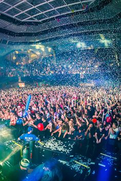 1. This is a picture is of a Bassnectar concert, this photo proves that a little crazy and inspiration can go a long way. 2. This Photo Motivates me by showing us all that your dreams can com true. 3. This image motivates me to be more autonomous This board is for all #EDMMusic Lovers who dig cool stuff that other fans could appreciate. Feel free to Post or Comment and Share this Pin! #ViralAnimal #EDM http://www.soundcloud.com/viralanimal