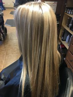 Blended blonde with dimension
