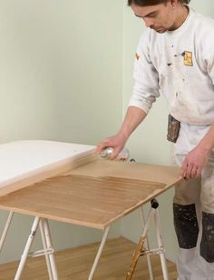 SPRAY LIM: Spray lim på både platen og skumplasten. Work Surface, Modern Kitchen Design, Interior, Home, Bedrooms, Tips, Indoor, Ad Home, Bedroom