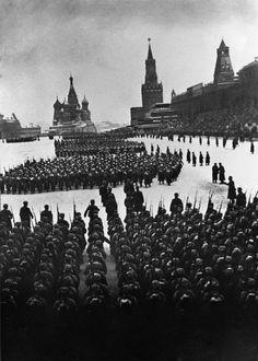 Plaza Roja de Moscú, 1941.