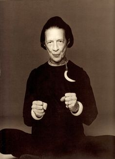 DIANA VREELAND former editor in chief of Vogue. 1975 Photo by Francesco Scavullo. From Scavullo Photographs 50 years. (minkshmink)