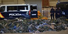 More than ISIS military uniforms found by Spanish police in ports - Olive Press News Spain Valencia City, Police, British Army Uniform, Olive Press, New Spain, Black Tigers, Military Equipment, Second Hand Clothes, Clothing Company