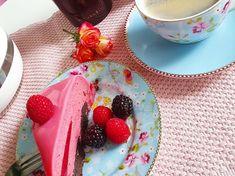 Bringebærmoussekake - Bremykt Fika, Gelatin, Chocolate Fondue, Mousse, Food To Make, Brownies, Panna Cotta, Pudding, Sugar