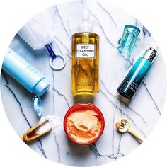 🎉Célébrez la beauté naturelle de votre peau avec les produits de la marque DHC 😌. 🦋De très grande qualité, ils sauront vous satisfaire. 🌿 Retrouvez une peau hydratée, nettoyée, nourrit et tonifiée. 👯 🙆🏼Conviennent à tous les types de peaux🙆🏾. 📥Disponibles sur www.lanaika.com 💸Code Promo dans la Bio