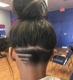 pinterest : @theylovekandi ❤ Raspado Dos Lados, Undercut Natural Hair, Tapered Undercut, Undercut Tattoos, Nape Undercut Designs, Undercut Styles, Undercut Women, Undercut Frau, Hair Tattoos