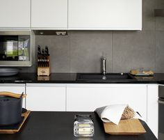 Great splashback and loving the handleless units. Splashback, Kitchen Inspiration, Kitchen Designs, Tile, Kitchen Cabinets, The Unit, Home Decor, Mosaics, Decoration Home