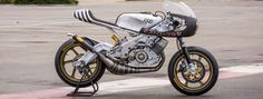 Radical! Yamaha RD400 Cafe Racer by Roland Sands Design #motorcycles #caferacer #motos | caferacerpasion.com