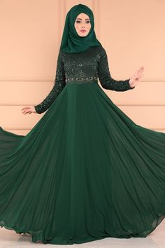 Hijab dresses evening gown dress evening fashion dresses and fashion most suitable in the price of the stylish designs at the new address I Selvi. Hijab Evening Dress, Hijab Dress, Evening Dresses, Formal Dresses, Hijab Fashion, Girl Fashion, Fashion Dresses, Stylish Hijab, Muslim Girls