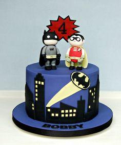 A Batman and Robin themed birthday for Bobby's Birthday. Hand cut city buildings and Batman logo and hand modelled Batman and Robin figures. Lego Batman Birthday Cake, Lego Batman Cakes, Batman Party, Lego Cake, Superhero Cake, 4th Birthday, Cake Minecraft, Minion Cakes, Minecraft Houses