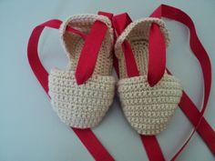 Las Labores y Manualidades de Caterine: Como hacer una alpargata (sandalia) de crochet para bebe