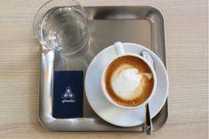 Gőzölgő+olasz+kávénk+mellé+akár+egy+versenybiciklit+is+rendelhetünk+Bécs+egyik+legújabb+üzletében,+ami+a+mára+olyan+divatos+fúziós+boltok+egyik+jól+sikerült+példája.  Étterem,+kávézó,+bolt+és+este+Gin+bár+–+rizikósnak+tűnő+bonyolult+elképzelés,+a+tulajdonos+mégis+élvezi+a+sokféle+tevékenység… Gin, Tableware, Dinnerware, Tablewares, Jeans, Dishes, Place Settings, Jin