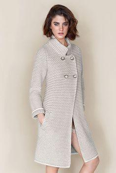 New Crochet Cardigan Girl Inspiration 53 - Diy Crafts - Marecipe Crochet Coat, Crochet Jacket, Knitted Coat, Crochet Cardigan, Crochet Clothes, Cable Cardigan, Coat Patterns, Cardigan Pattern, Knitting Designs