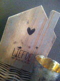 """Lief houten huisje  """" liefde maakt van een huis    een thuis"""""""
