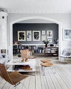 Fantastisk hem av Cille Grut  Scandinavian home by Cille Grut #scandinavian #scandinavianhome #danish #style #interior #inspiration #inspo #design #denmark #danishstyle #gubi #gubichair #gubilamp #tiledstove #grey #greywalls #art #skinnstol #stol #kakelugn #lampa #bokhylla #bookshelf #sekelskifte #hierloom #concept #roomofconcept #conceptdesign by roomofconcept