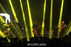 Foi ontem ao show do Paralamas? Nós fomos! As fotos já podem ser vistas, baixadas e compartilhadas no site www.arrozdefyesta.net.