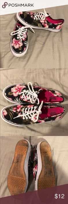 Tropical print sneakers 🌺 Wore these for my wedding reception to dance! Sup r comfy shoes. Great for every day. Mossimo Supply Co Shoes
